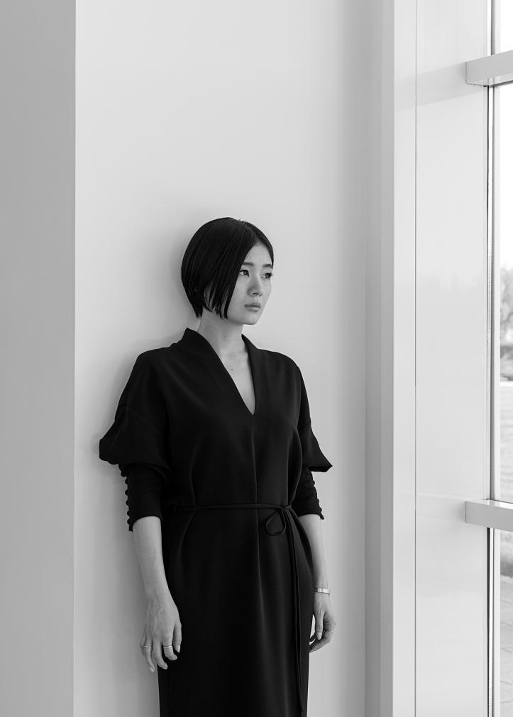 MAME KUROGOUCHI_PORTRAIT_B&W (2)