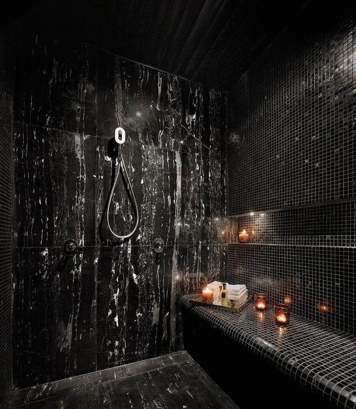 couple room bathroom