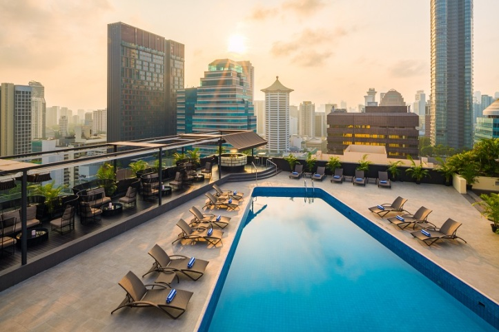 Hilton Singapore Rooftop Pool Overlooking Orchard Road