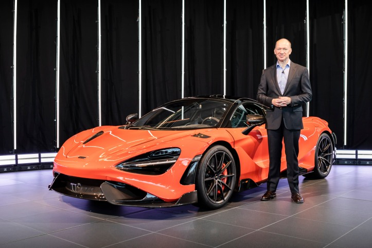 1_Mike_Flewitt_CEO_McLaren_Automotive