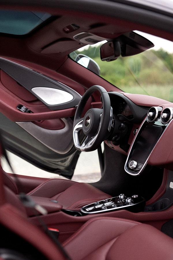 McLaren GT_interior