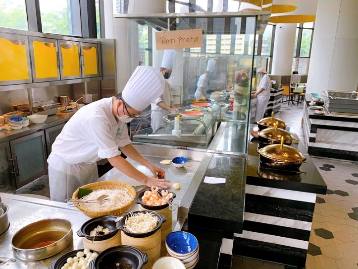 Atrium Restaurant - Chefs at the Live Cooking Stations
