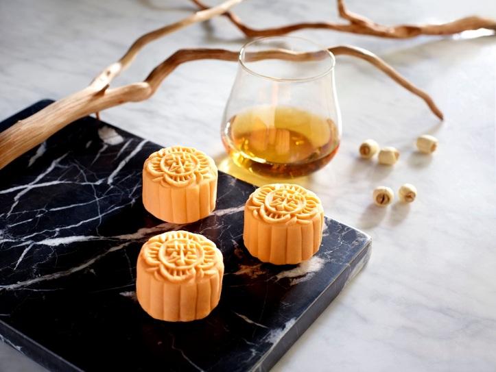 Cognac Truffle Snow-Skin Mooncake 白兰地巧克力冰皮月饼
