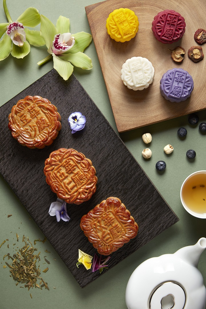 Copy of Baked Mooncakes_Hua Ting Restaurant_Orchard Hotel Singapore 12