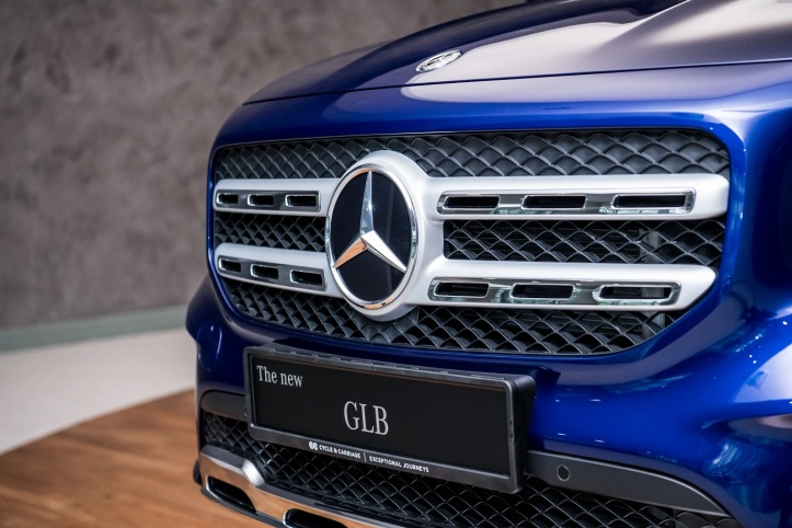 The new Mercedes-Benz GLB 200 Progressive (1)