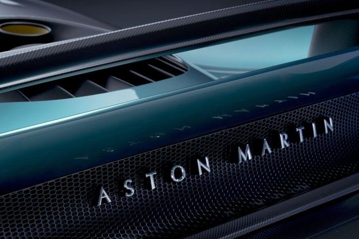 Aston Martin Valhalla (18)