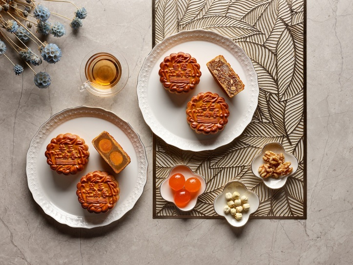 Four Seasons Hotel Singapore - Baked Skin Mooncake Collection